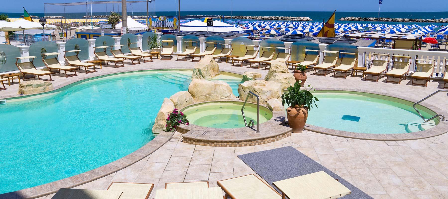 Hotel montanari 3 toiles bellaria avec piscine id al - Hotel con piscina a riccione ...